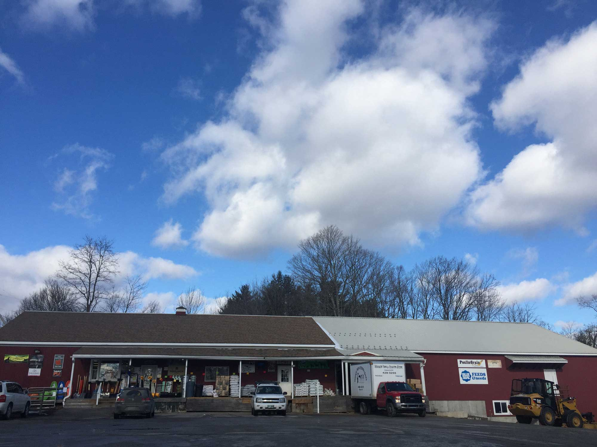 Henniker Farm Amp Country Store Nh Clothing Feed Pet
